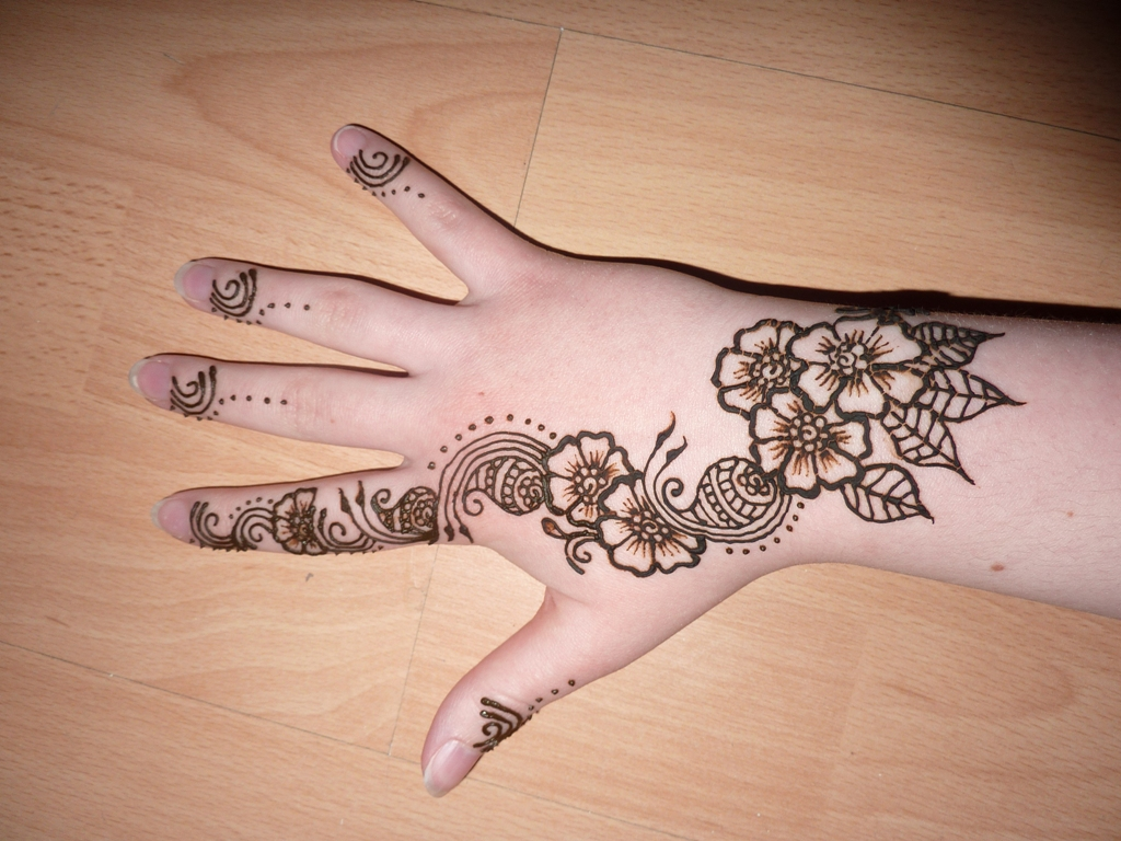 Simple Henna Designs  Download Cool HD Wallpapers Here